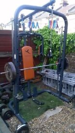 smith machine domyos with weight bench