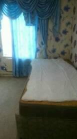 Single Bedroom to Let in Bradford