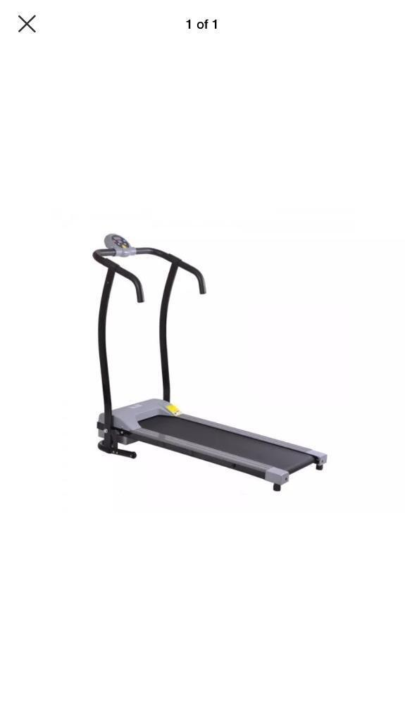 Body line treadmillin Worksop, NottinghamshireGumtree - Body train treadmill for sale, bought it a couple of months ago but never really use it, not used much at all in perfect condition. Multiple speed settings and different programs for calories burnt time ect. It can fully fold up for better storage...