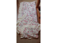 Double duvet set floral, unused immaculate condition, cover & 2 pillow cases 50 /50 cotton polyester