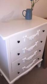 Vintage style white chest of drawers