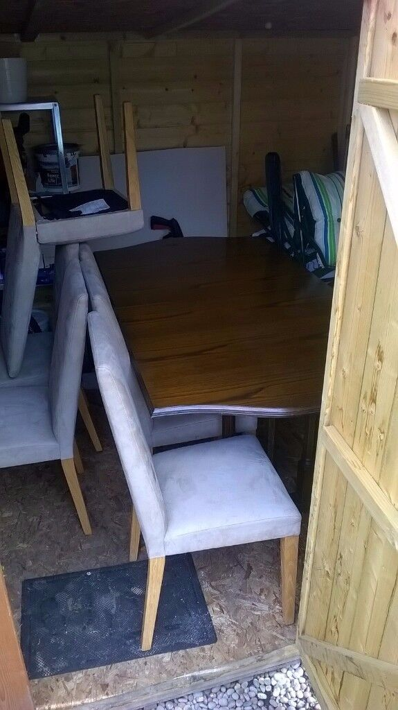 antique table plus 6 chairs in exellent condition LOW PRICE