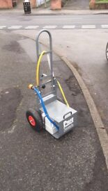 Pure freedom reach and wash window cleaning trolley used 3 times