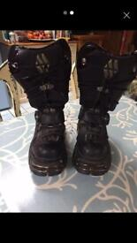 KnewRock boots size 5