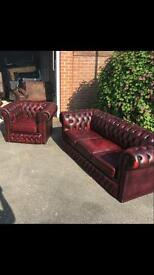 Beautiful chesterfield sofa suite ...!!!!..... del available