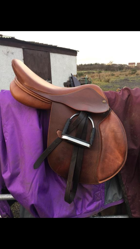 Jump saddle HENRI DE RIVELin Bonnybridge, FalkirkGumtree - CONSIDERING SENSIBLE OFFERS!Beautiful tan/brown Henri de rivel jump saddle. This saddle is one of a kind, well looked after with very low usage as can see in photos. I am gutted to part with my pride and joy saddle but is too big for me and too...