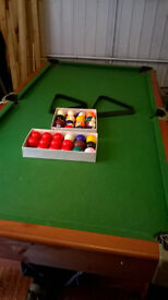 Snooker/Poole Table Combi 6x3 Folds in upright position when not in use. With full accessories