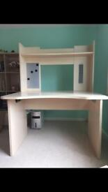 Desk. Great condition