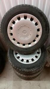 (171) Pneus Hiver - Winter Tires 185-65-15 Toyo 7-8/32