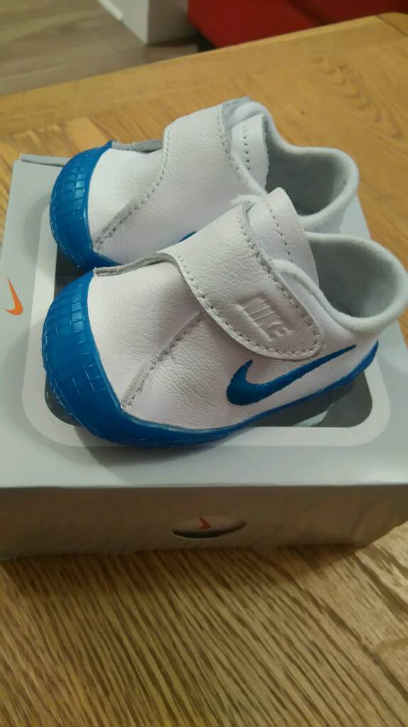 Nike Waffle crib baby boy shoes BRAND NEW IN A BOX. Image 1 of 6
