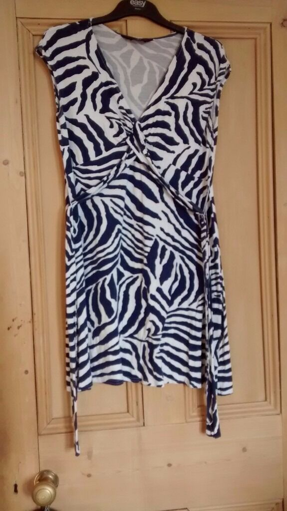 Maternity clothes, size 12in Corstorphine, EdinburghGumtree - Maternity clothes, size 12. From a smoke & pet free home. Collection only from Corstorphine. Contact Mel on 07814896539. Thanks for looking Maternity dresses, £5 each. Under bump jeggings x2, £10. Over bump trousers x2, £10. Jumpers £5 each