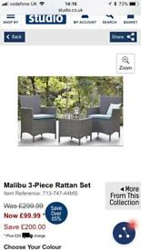 Ratain chair & table