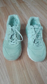 New Balance womens trainers size UK 4,5 ( 23 cm )