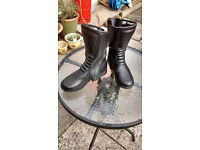 MOTORCYCLE BOOTS SIZE 5 WATER PROOF BRAND NEW