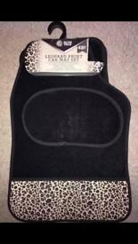 New 4 piece set of car mats leopard print design