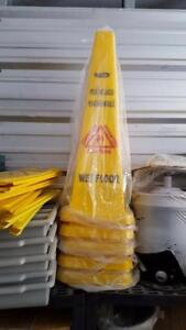 Floor Wash Signs/Bucket and Mop