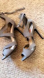 Women's heels size 6