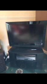 39 inch Tv with stand
