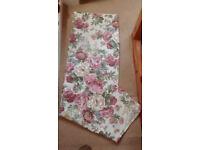Pair of curtains, brand new, L135cm, Width each curtain 165cm, 100% cotton, floral design,