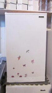 Petit réfrigérateur modèle solide et durable-livré:ess.seulement
