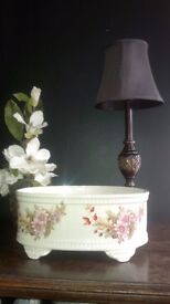 'NEW' LARGE BEAUTIFUL FLOWER PAINTED VICTORIAN STYLE / SHABBY CHIC PORCELAIN PLANTER