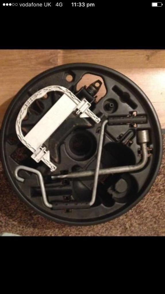 Clio 98-05 spare wheel tool kit