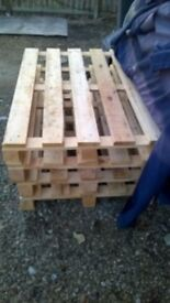 wooden pallets £2 each