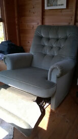 Armchair with foot rest (Celebrity make)
