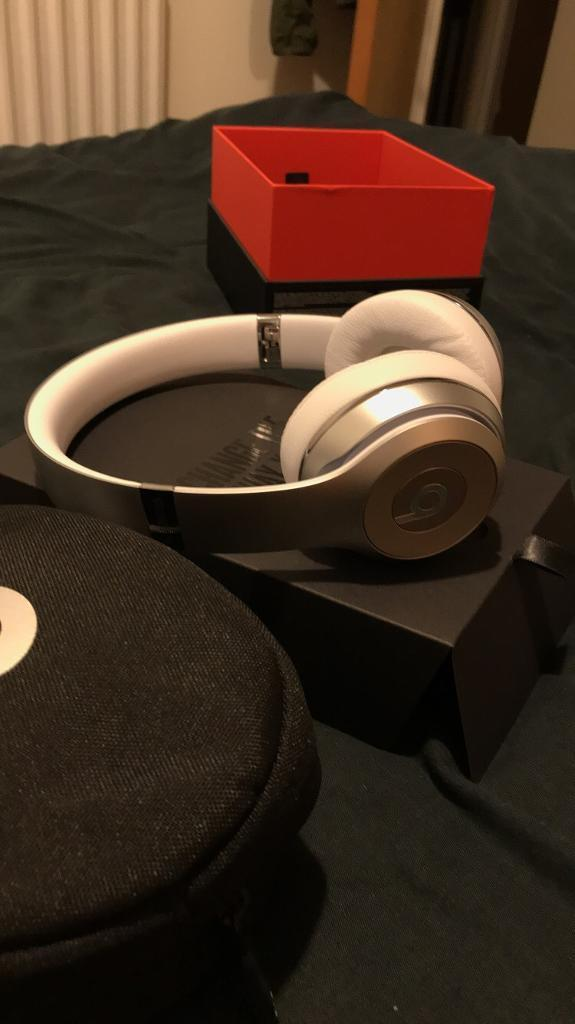 Beats Solo 3 Wireless - Special Edition Silver