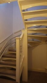 Wooden Open tread curved staircase