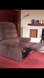 Riser recliner arm chair - brilliant condition