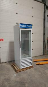 BEVERAGE AIR SINGLE GLASS DOOR FREEZER with LED Lighting