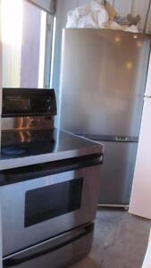 Gros réfrigérateur et cuisiniere a convection-Taxes incluses