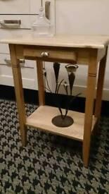 Light oak lamp table.