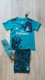2018 Real madrid football kit RONALDO adidas tshirt shorts 8-10 years
