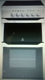 COOKER BRAND NEW FREE STANDING INDESIT IT50C