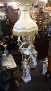 LAMPE SUR PIED AU CHOIX