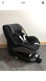 Maxi cosi 2 way pearl car seat with 2 way familyfix base excellent condition .