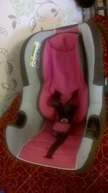 Group 0 baby car seat, berry colour, B-one