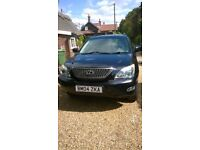 LEXUS RX 300. 3 litre petrol, low mileage light grey full leather interior. tow bar fitted