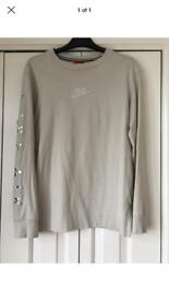 Nike size small long sleeve top