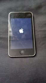 BLACK APPLE IPOD TOUCH 3RD GENERATION 8GB