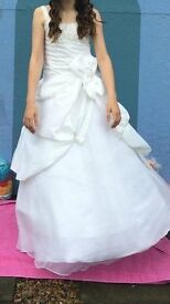 GORGEOUS GALA QUEEN / FLOWER GIRL DRESS FOR SALE. AGE 12 YEARS