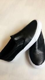 BRAND NEW BLACK LOAFER SHOES SIZE 3 paid £24