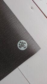 Yoga Mat Manduka ProLite in Black, latex free
