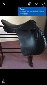 "17"" medium wide black leather saddle"