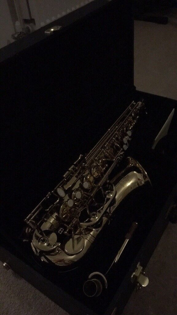 Arbiter saxophone excellent condition. Hard case. Neck strap