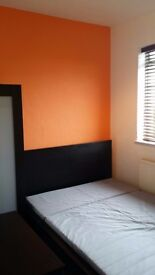 Small Double Room available in Springbourne.