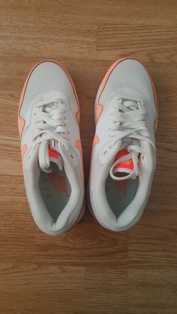 Earls Court, London £10.00. Images; Map. Nike air max size 3.5