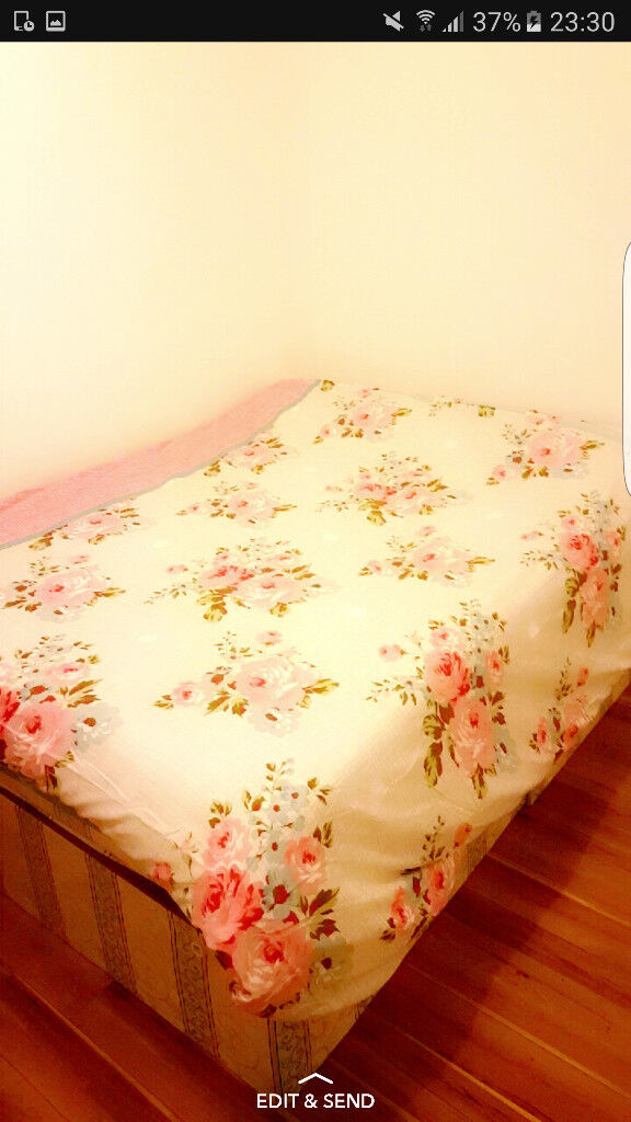 (All bills included) Beautiful Fully furnished Double room in Kennington